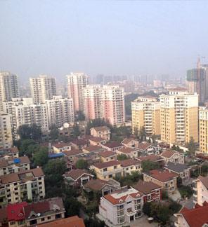 Shenyang von oben: Die grauen Wohntürme dominierten das Stadtbild der 8-Millionen-Metropole